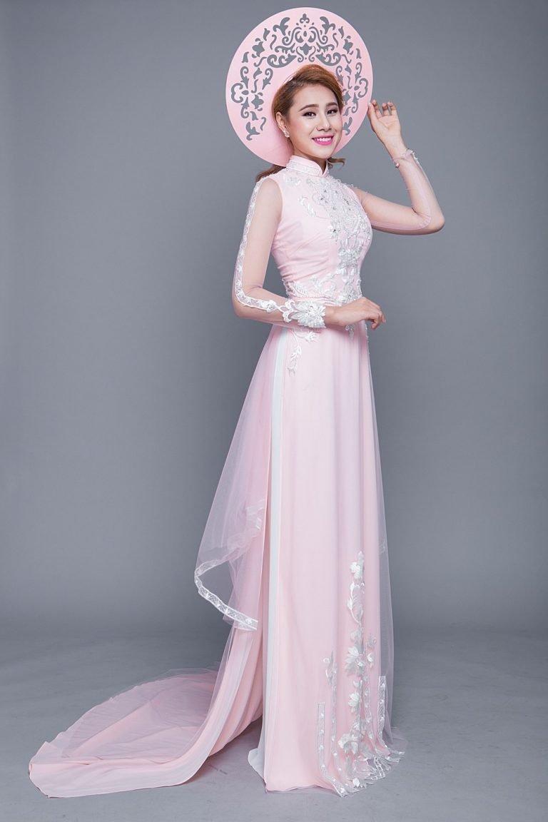 Áo dài cưới màu hồng ngọt ngào thanh lịch