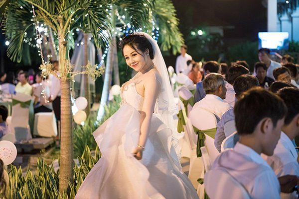 Váy cưới cho bà bầu cuối thai kỳ