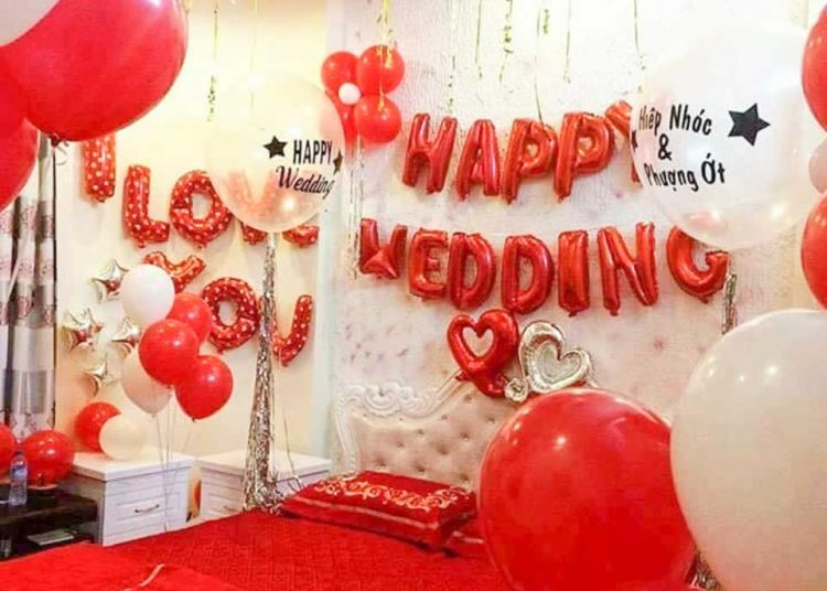 Trang trí phòng cưới với tone màu rực rỡ giúp căn phòng đặc sắc hơn